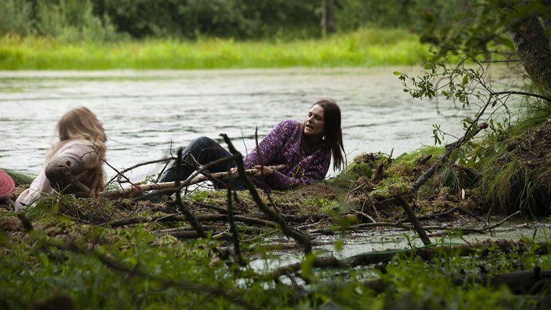 """Кадр из сериала """"Паромщица"""""""